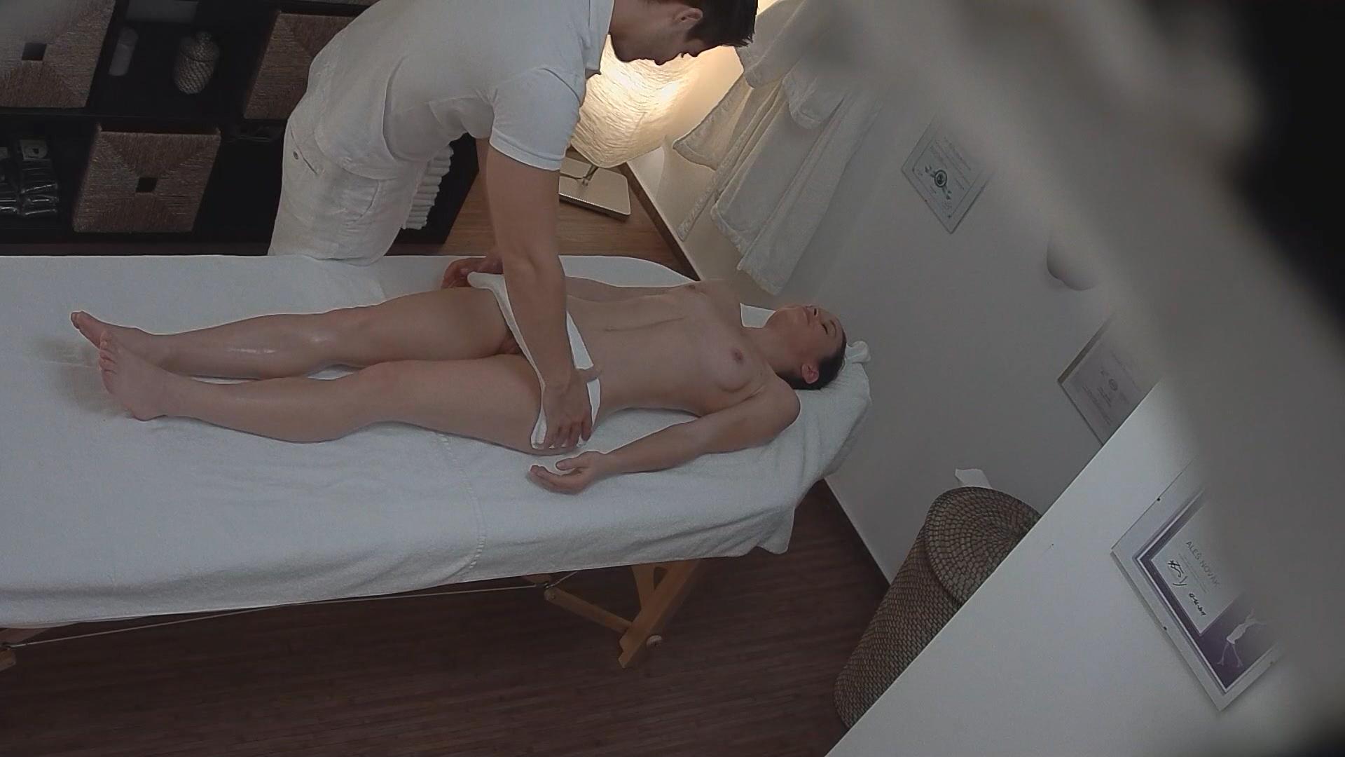 Скрытая камера массаж порно много спермы гинеколог — 10
